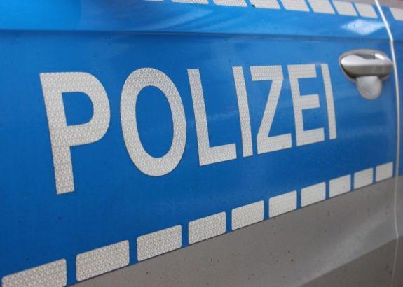 16-Jährige von Auto erfasst – Mädchen schwer verletzt
