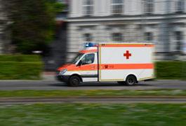 Unbekannter sticht auf Mann in Walle ein – Opfer erleidet lebensgefährliche Verletzungen