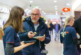 """Erste Konsumententests erfolgreich – Restaurantkette """"Nordsee"""" testet Verpackung aus Algen"""
