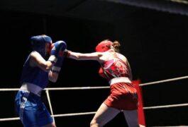 Ausbildungskurs für junge Boxerinnen